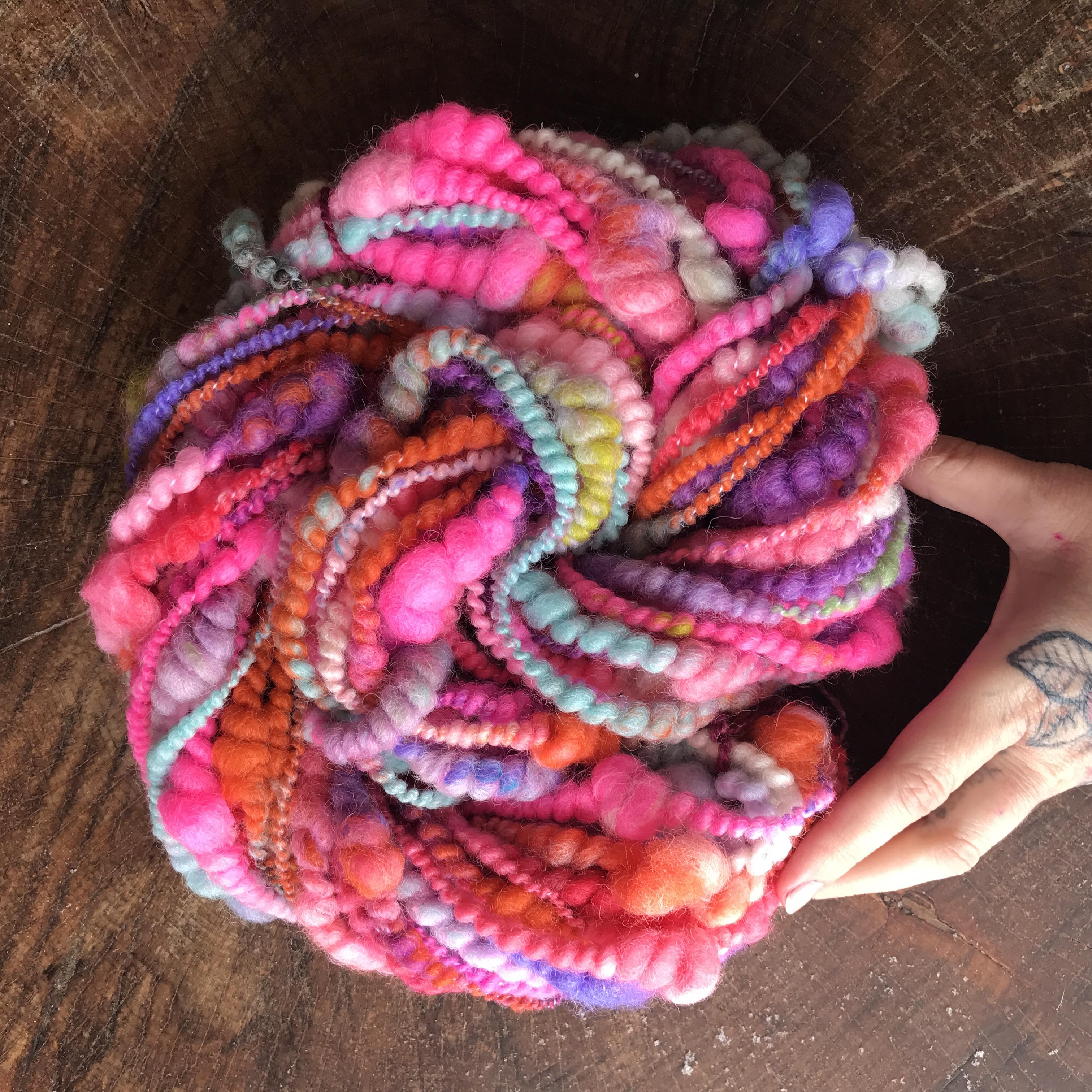 Simple method for spinning art yarn